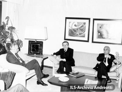8 novembre 1988. Andreotti incontra a Gerusalemme il Ministro degli Esteri israeliano Simon Peres.