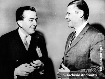 17 febbraio 1966. Andreotti con il segretario alla Difesa americano Mc Namara