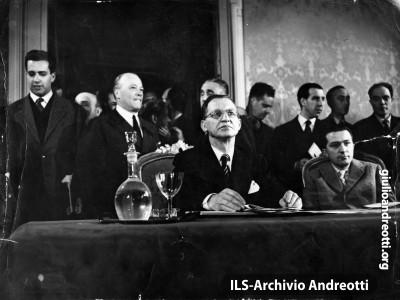 22 aprile 1948. Conferenza stampa di De Gasperi alla Stampa Estera.