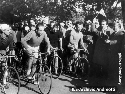 1948. Gara ciclistica fra giornalisti sportivi