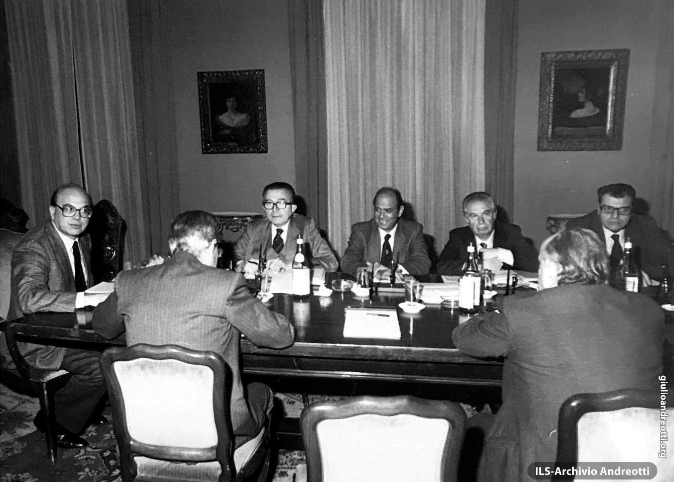 15 dicembre 1983. Consiglio di Gabinetto con Craxi, Altissimo, Darida e Longo