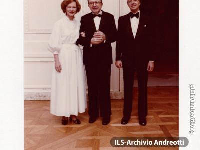 Foto con dedica di Jimmy e Rosalyn Carter in ricordo della visita ufficiale alla Casa Bianca del 30 maggio 1978