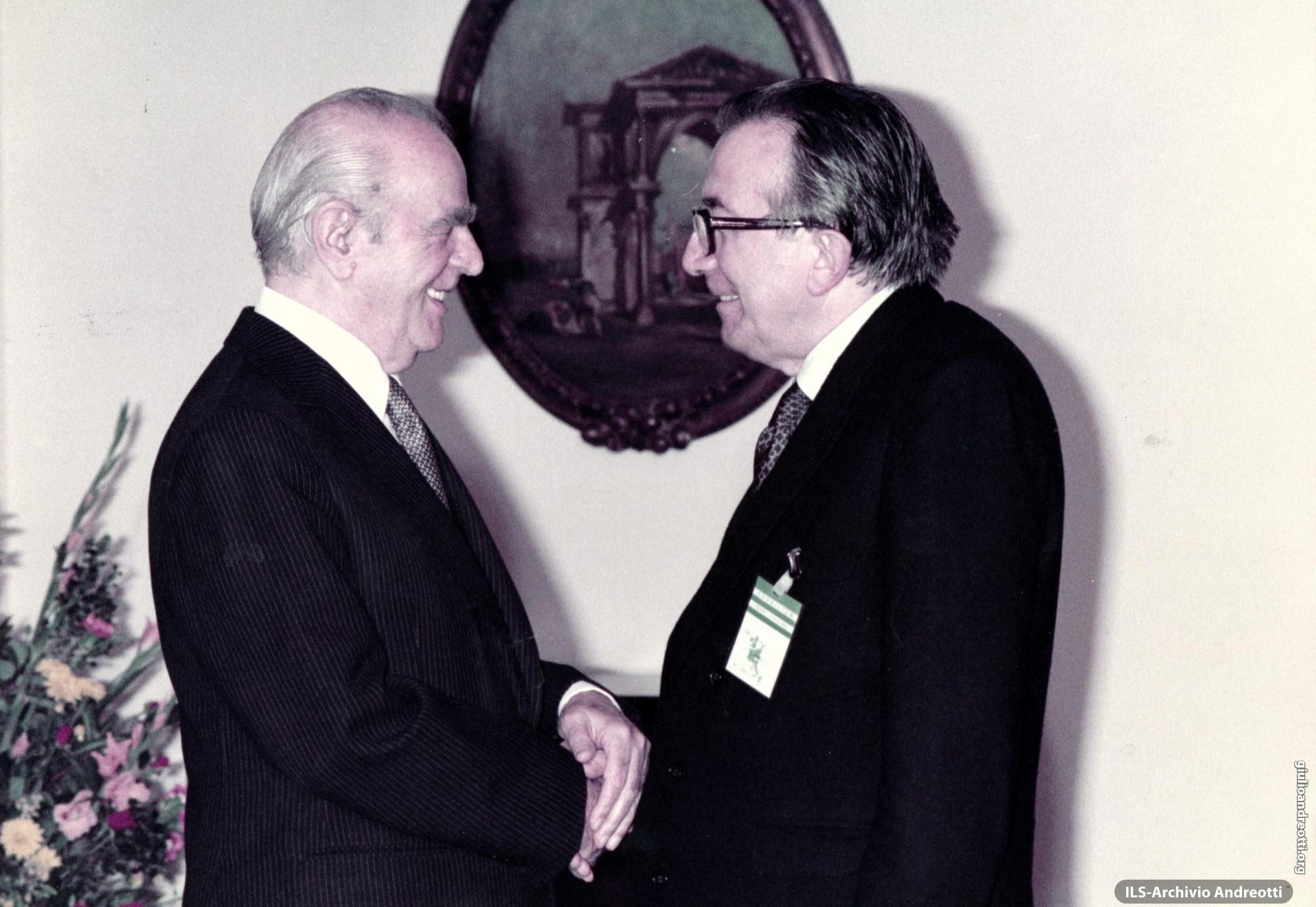 4 dicembre 1983, Atene. Incontro con il presidente greco Kostantinos Karamanlis