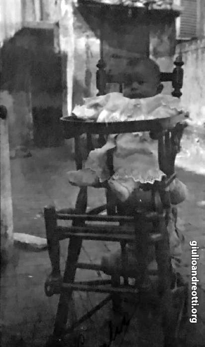 1919. Giulio Andreotti all'età di pochi mesi