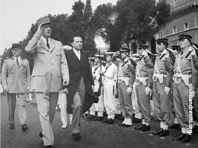Accanto al gen. Charles De Gaulle in visita ufficiale a Roma nel 1959