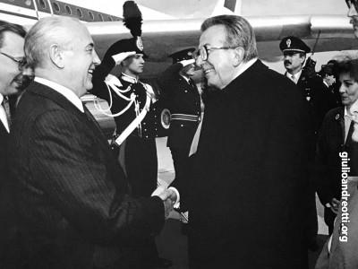 1990. Andreotti e Gorbaciov