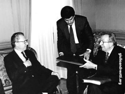 1990. A Palazzo Chigi con Jacques Delors, presidente della Commissione europea