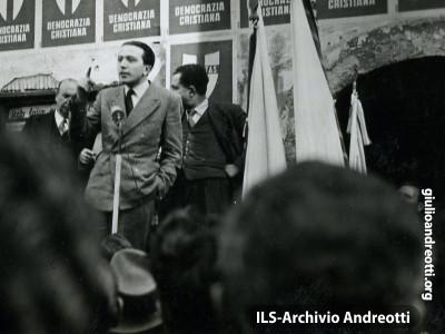 Marzo 1947. Comizio di Andreotti a Ceccano.