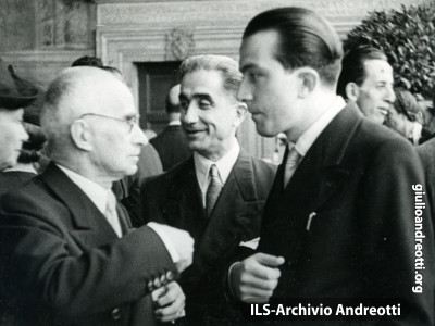 1947. Giulio Andreotti con Luigi Einaudi, vicepresidente del Consiglio.