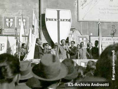 13 novembre 1947. Comizio di Giulio Andreotti ad Alatri.