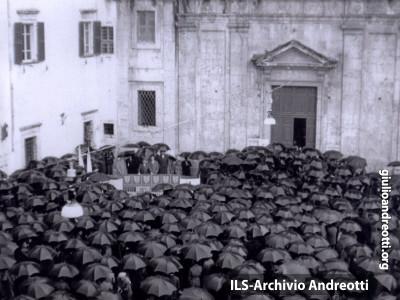 1948. Comizio ad Alatri.