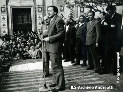 Comizio a Ceccano nel 1948.