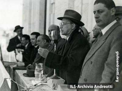29 marzo 1948. Comizio a Cassino con De Gasperi.