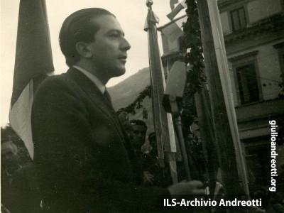 29 aprile 1948. Comizio ad Atina.