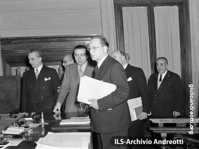 Andreotti con il Presidente De Gasperi.