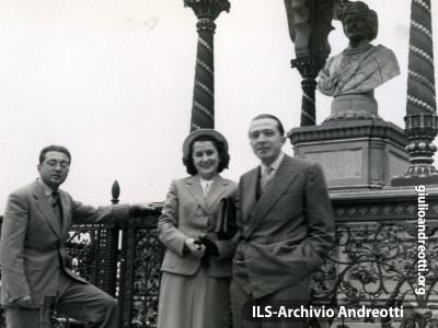 Andreotti a Firenze con Livia e Giorgio Ceccherini. Era il 22 maggio 1949.