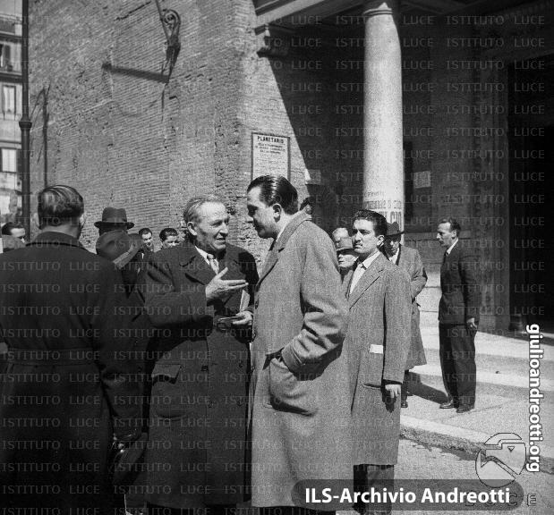 15 marzo 1950. Manifestazione al cinema Planetario di Roma.