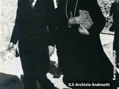 Andreotti in visita con l'Abate Idelfonso Rea a Montecassino.