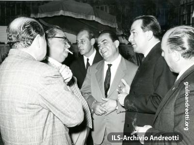 Giulio Andreotti con Aldo Fabrizi e Carlo Dapporto.