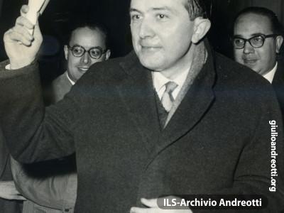 3 marzo 1958. Discorso al teatro Adriano.