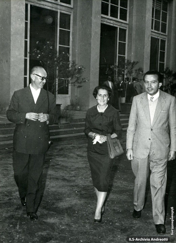 Giulio Andreotti con Livia nel 1959.
