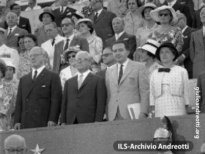 25 agosto 1960 Andreotti, presidente del Comitato organizzatore delle Olimpiadi di Roma.