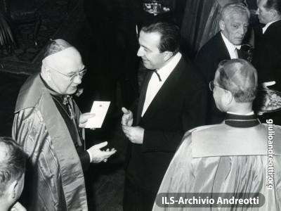 1962. Andreotti con il card. Francis Spellman.