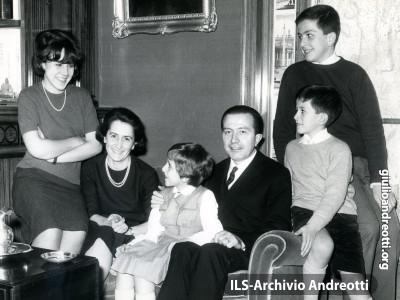Foto di famiglia nel 1963.