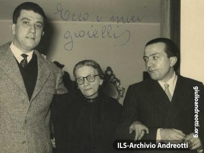 Andreotti con la madre, Rosa Falasca e il fratello Francesco.