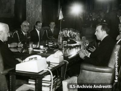 25 gennaio 1966. Giulio Andreotti a Buenos Aires.