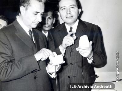 15 giugno 1966. Giulio Andreotti con Aldo Moro.