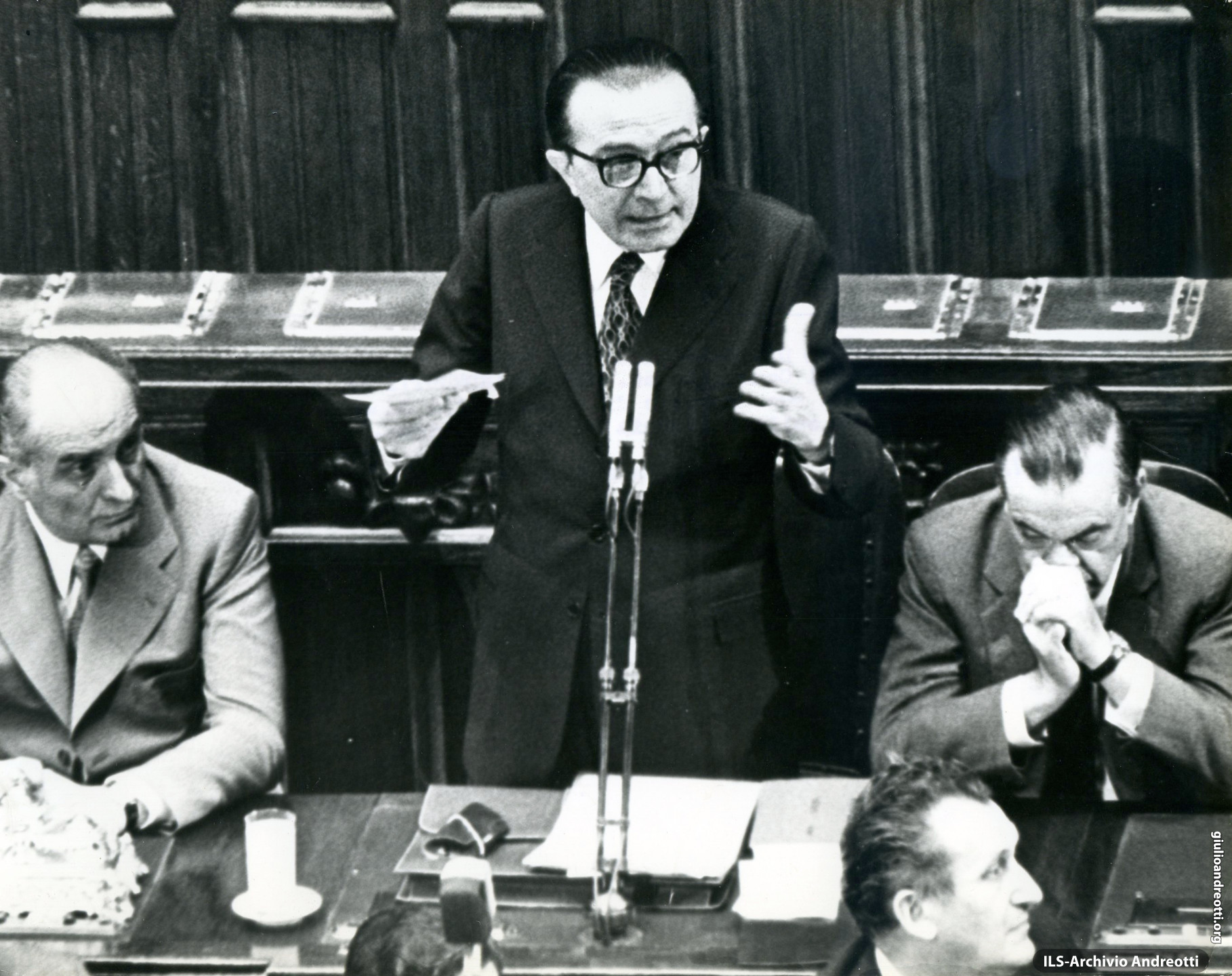7 luglio 1972. Presentazione alla Camera del Governo Andreotti II accanto al presidente Mario Tanassi, Giovanni Malagodi.