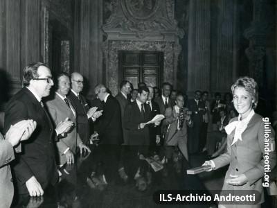 27 settembre 1972. Premiazione a Palazzo Chigi degli atleti italiani.