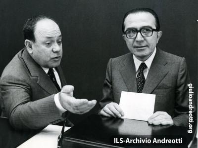 Giulio Andreotti con Remo Gaspari.