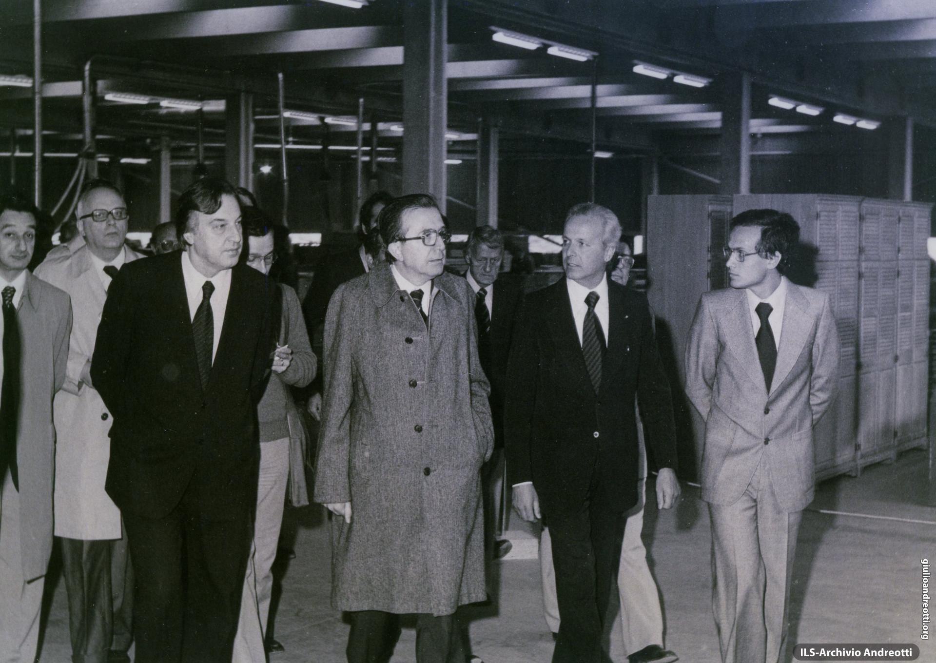 4 settembre 1976. Prima pietra dello stabilimento Fantoni Arredamenti SpA. Alla destra di Andreotti il ministro del Lavoro Mario Toros.