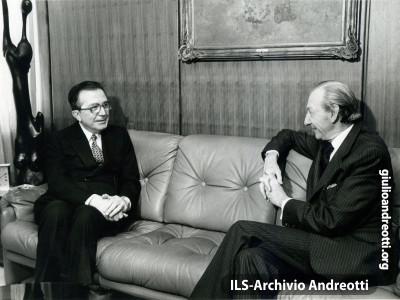 Andreotti a colloquio con Kurt Waldheim, nel 1978.