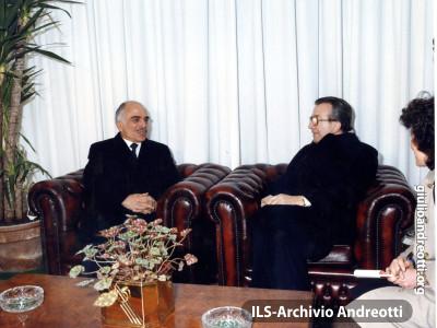 Andreotti con il re Hussein di Giordania nel gennaio 1987.