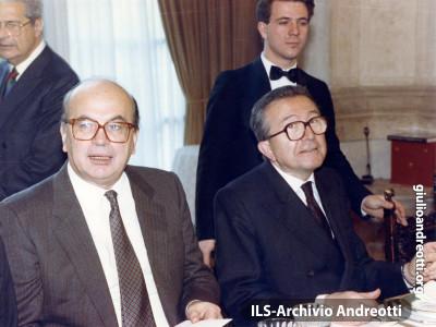 Giulio Andreotti con Bettino Craxi.