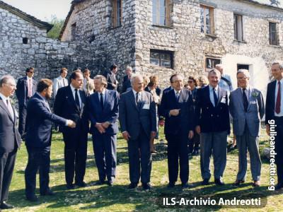 1988. Andreotti al Consiglio dei ministri degli Esteri europei a Giannina in Grecia.
