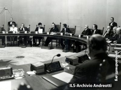 23 luglio 1989. Prima seduta del governo Andreotti VI.