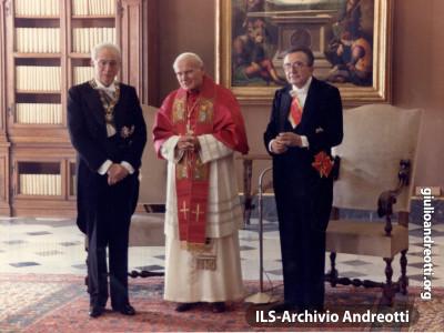 1990. Visita ufficiale a Giovanni Paolo II.