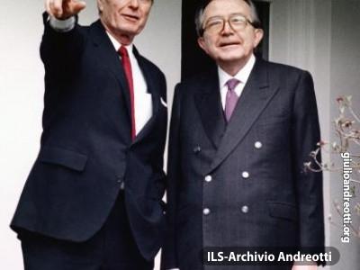 Marzo 1990. Andreotti con il presidente americano Bush.