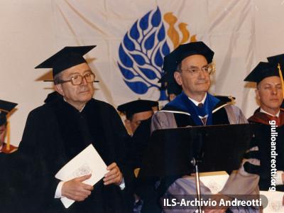 8 marzo 1990. Laurea Honoris Causa a Giulio Andreotti.