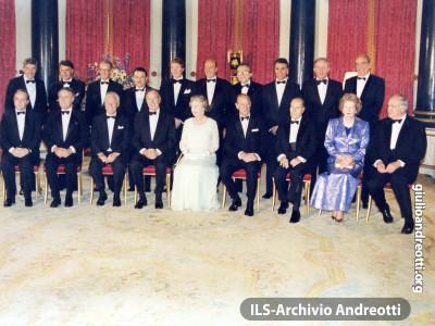 5-6 luglio 1990. Londra. Summit della NATO.