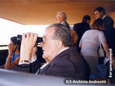 Primavera del 2000. Giulio Andreotti all'ippodromo delle Capannelle.