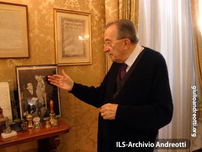 2003. Nel suo studio di Palazzo Giustiniani.