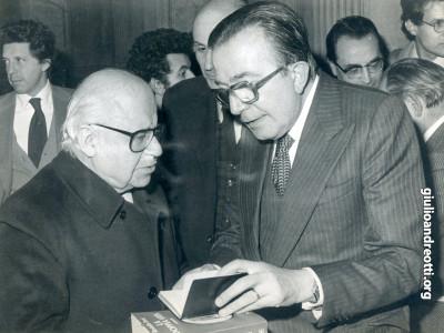 1980. Andreotti con Guido Gonella