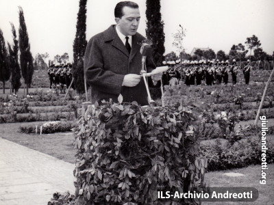 6 maggio 1960. Inaugurazione del cimitero militare tedesco di Pomezia.