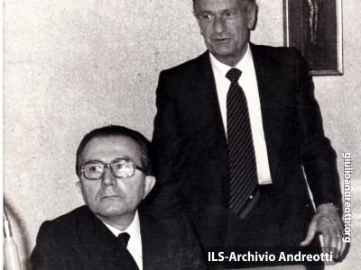 31 luglio 1978. Andreotti, Presidente del Consiglio, insieme con Zaccagnini, Segretario del Partito, al Consiglio Nazionale della Democrazia Cristiana.