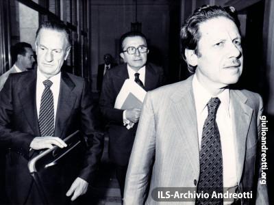 1 agosto 1978. Roma, Palazzo Sturzo, Andreotti con Zaccagnini e Piccoli, appena confermato Presidente del Consiglio nazionale della DC